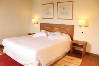 AlfonsoXII-Tancat de Codorniu-habitaciones-hotel-hotelconencanto-room-Tarragona-9
